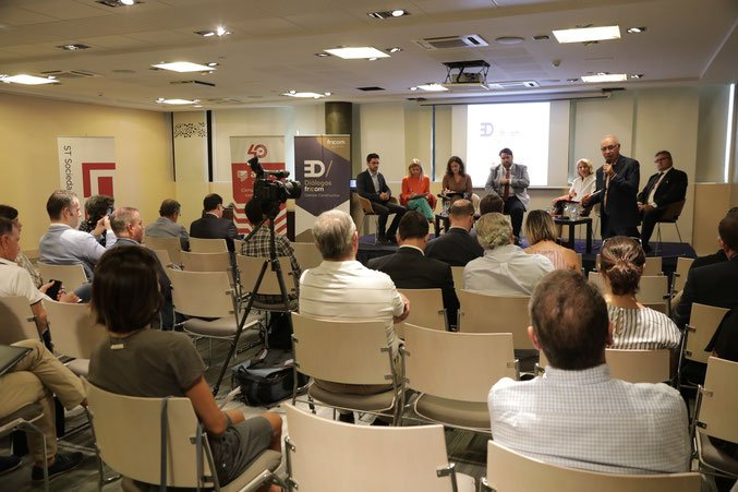 FRECOM busca propuestas para mejorar la concesión de licencias 16 FRECOM