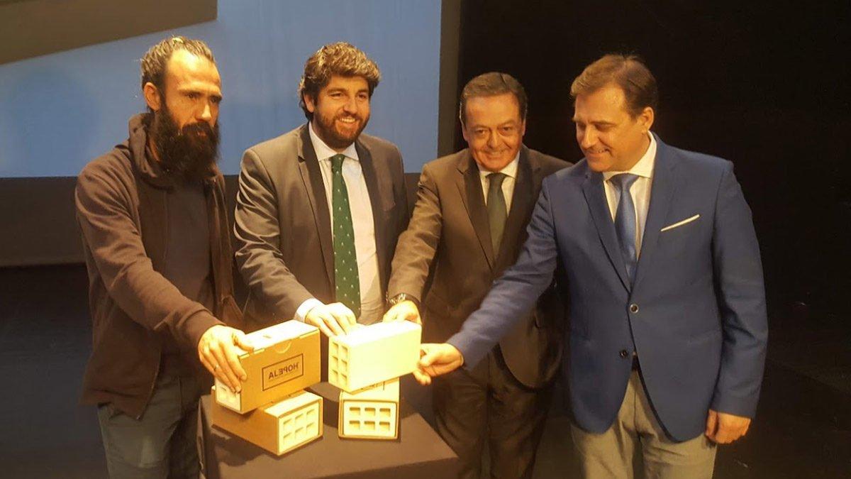 """FRECOM anima a los empresarios murcianos a comprar """"El ladrillo más valioso del mundo"""" 2 FRECOM"""