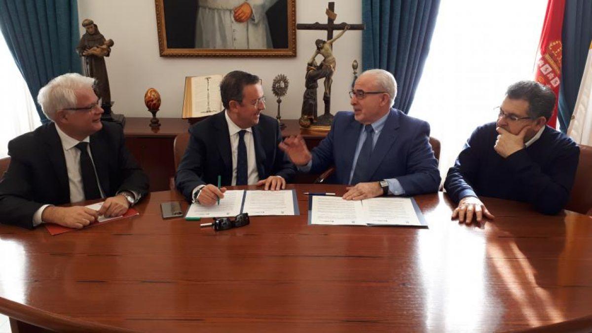 La Fundación Laboral de la Construcción y la UCAM suscriben su apoyo al sector 2 FRECOM