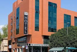 Un acuerdo con NH Hotel Group permitirá a los asociados de FRECOM tener descuentos en las reservas y servicios de la cadena 2 FRECOM