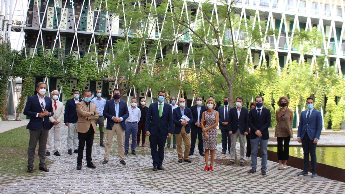 """""""La estrategia de arquitectura y construcción sostenible de la Región muestra el compromiso del sector por construir entornos urbanos más sostenibles"""" 2 FRECOM"""