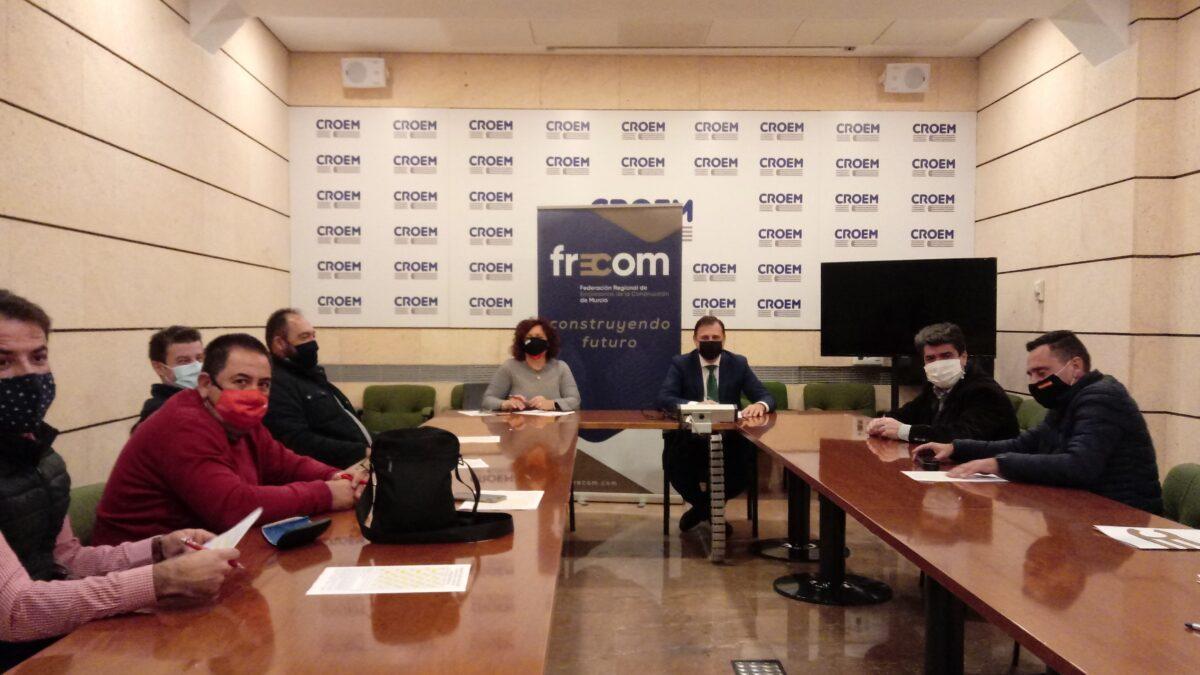 FRECOM y los sindicatos UGT y CCOO fijan el calendario laboral del 2021 para el sector de los derivados del cemento en la Región de Murcia 2 FRECOM