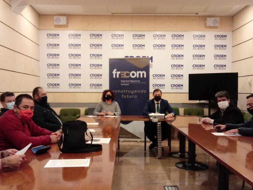 FRECOM y los sindicatos UGT y CCOO fijan el calendario laboral del 2021 para el sector de los derivados del cemento en la Región de Murcia 7 FRECOM