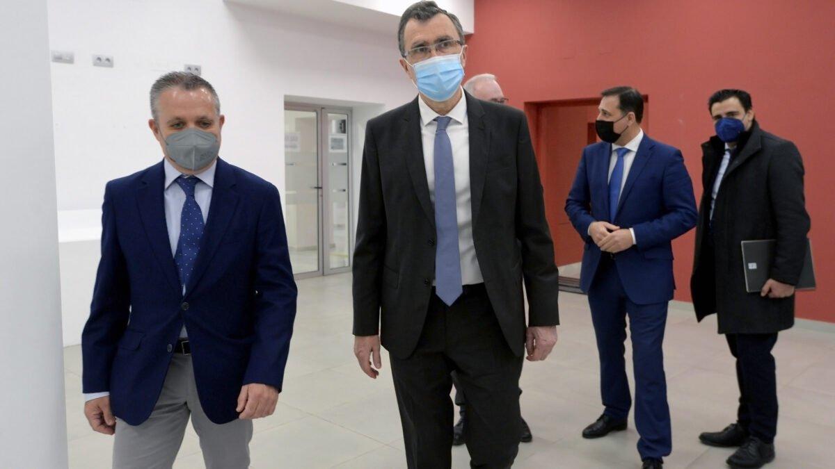 APIRM y el Ayuntamiento de Murcia firman un convenio que agilizará las licencias municipales 2 FRECOM